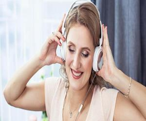 Γνωρίζουμε ότι η μουσική έχει μεγάλη επίδραση στον άνθρωπο. Τι προσφέρει όμως σε ανθρώπους που ζουν με τον καρκίνο;Γνωρίζουμε ότι η μουσική έχει μεγάλη επίδραση στον άνθρωπο. Μπορεί να τον κάνει να χαμογελά όταν νιώθει στρες ή να τον οδηγεί να έρχεται σε επαφή με τα συναισθήματά του.