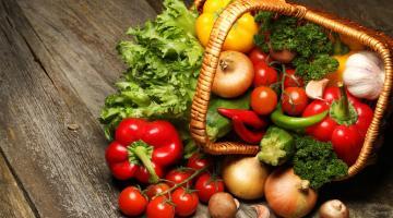 ΘΕΤΙΚΑ ΑΠΟΤΕΛΕΣΜΑΤΑ ΩΜΟΦΑΓΙΚΗΣ ΔΙΑΤΡΟΦΗΣ  Η Φλώρα Παπαδοπούλου συγγραφέας και σεφ ωμοφαγικής διατροφής μας εξηγεί τα ωφέλη της ωμοφαγίας για τον οργανισμό μας.